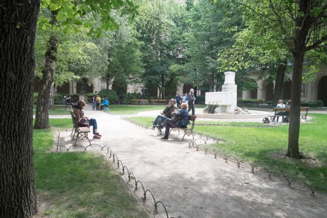 Lyon. Le jardin du Palais Saint-Pierre. Jeu 21.05.2015, 11:04.