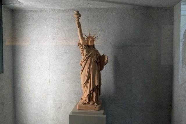 La Liberté éclairant le monde, par Bartholdi. Terre cuite. Jeu 21.05.2015, 11:49.
