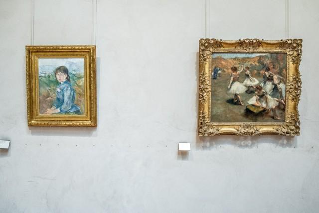 À dr., Danseuses sur la scène, par Degas (vers 1889). Jeu 21.05.2015, Jeu 21.05.2015, 14:53.