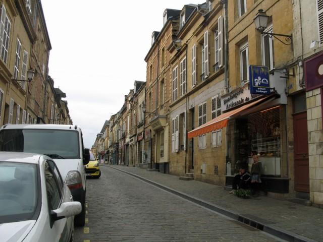 2/48. Charleville-Mézières. Promenade en ville. Mer 29.04.2009 - 09:36.