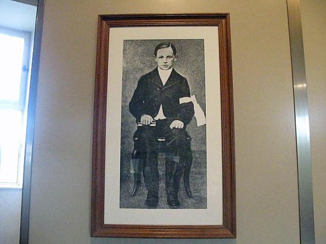 27/48. Musée Rimbaud. Partie d'une photo de Pâques 1866. Mer 29.04.2009 - 10:48.