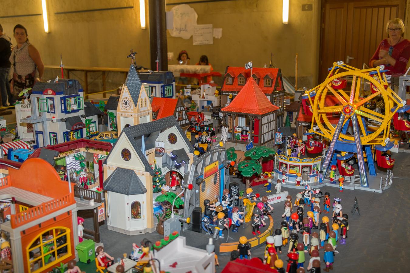 Morlaix grosse affluence au salon du playmobil 2014 for Playmobil salon de coiffure